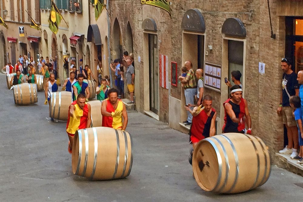 BRAVIO DELLE BOTTI Montepulciano in festa
