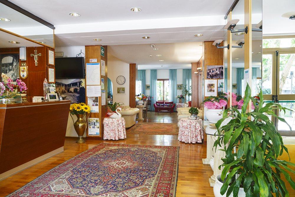 Hotel Rinascente***